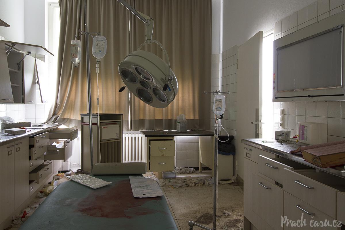 nemocniceblood_01_web
