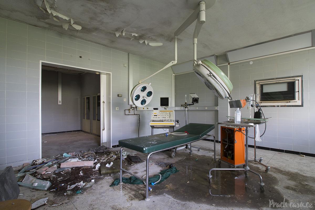 nemocniceblood_03